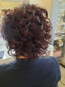 Krullen knippen kort haar